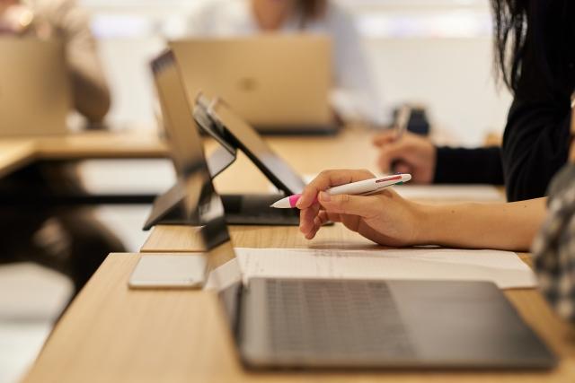 オンライン学習 - テレワーク体験談~マネジメントのスキルアップが改めて問われる~